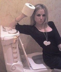 When sexy selfies go bad... http://runt-of-the-web.com/sexy-selfie-fails