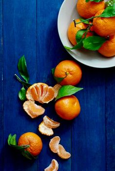Citrus to try during their peak season. From refreshing cocktails to fluffy pancakes, these recipes celebrate all of your favorite in-season citrus fruits. Fruit And Veg, Fruits And Vegetables, Fresh Fruit, Citrus Fruits, Blue Fruits, Fruit Food, Food Food, Food Styling, Photo Fruit