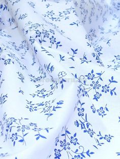 Kékfestő virágos vászon terítő - Abrosz, Terítő, Függöny webáruház Embroidery, Decoration, Kitchen, Home, Decor, Needlepoint, Cooking, Kitchens, Ad Home