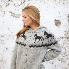 Handknitted sweater with horse pattern 100% icelandic by LOPIA