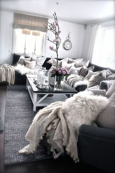 Amazing 40+ Modern and Cozy Living Room Ideas https://modernhouseidea.com/40-modern-and-cozy-living-room-ideas/ Cozy Grey Living Room, Shabby Chic Living Room, Cool Living Room Ideas, Small Living Rooms, Shabby Chic Kitchen, Living Room Inspiration, Interior Design Living Room, Home Living Room, Home Decor Inspiration
