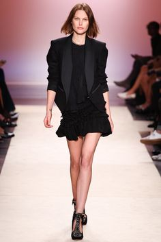 Isabel Marant Spring 2014 Ready-to-Wear Fashion Show - Catherine McNeil (OUI)