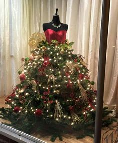 Christmas tree maniquin …