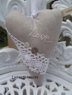 Lydias Treasures ... Tilda Heart in Linen