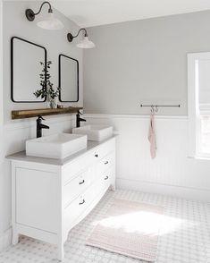 25 Serene White Bathroom Design Ideas That Full of Visual Interest - GODIYGO.COM bathroom decor, bathroom remodel, bathr Bathroom Vanity Designs, Bathroom Interior Design, Interior Livingroom, Bad Inspiration, Bathroom Inspiration, Bathroom Inspo, Bathroom Renos, Bathroom Renovations, Budget Bathroom