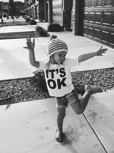 it ok! Cool kids fashion look Cool Baby, Baby Kind, Baby Baby, Fashion Kids, Swag Fashion, Little People, Little Ones, Cute Kids, Cute Babies
