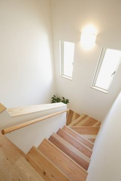 Timber Staircase, Staircase Handrail, House Staircase, Modern Staircase, Home Stairs Design, Modern House Design, Loft Conversion Stairs, 10 Marla House Plan, Attic Bedroom Designs