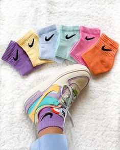Dyed nike socks ☁️💕🍼🤘🏽 1 pair = 2 pairs = 3 pairs = Size M in stock ! Aesthetic Shoes, Aesthetic Clothes, Urban Aesthetic, Sneakers Mode, Sneakers Fashion, Nike Outfits, Trendy Outfits, Sneaker Outfits, Adidas Outfit