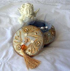 Boîte à bijoux / Boîte à bijoux vintage patinée à par Syell sur Etsy