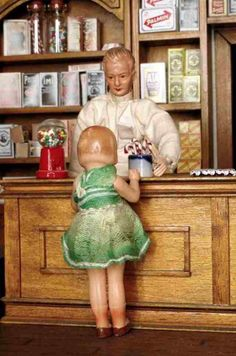 Vintage German dolls (dollhouse)