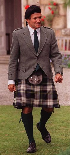 Robin Williams - Kilt and Tweed jacket--R.I.P. Well, I don't know if this makes me happy or sad...