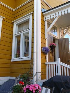 Lovely yellow house in Tampere, Finland