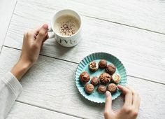 Chocolate Truffles In 5 Minutes - chocolateland.net Healthy Snack Options, Super Healthy Recipes, Healthy Snacks, Simple Snacks, Keto Snacks, Healthy Baking, Dog Food Recipes, Snack Recipes, Ww Recipes