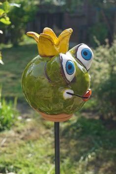 Garden Totems, Garden Art, Garden Tips, Garden Globes, Air Dry Clay, Fun Crafts, Sculptures, Diy Projects, Creatures
