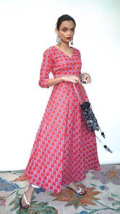 Indian Dresses, Indian Outfits, Anika Ishqbaaz, Anarkali, Saree, Simple Kurti Designs, Movie Ideas, Silver Wedding Jewelry, Indian Makeup