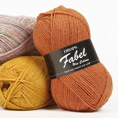 Hard wearing as only a sock yarn can be, DROPS Fabel is a 4 stranded yarn and is superwash treated, which makes it machine washable and easy to care for. Laine Drops, Knitting Patterns, Drops Patterns, Alpacas, Sock Yarn, Drops Design, Color Shades, Knitted Hats, Strands