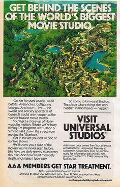 Publicidad del Universal Studios de 1984. Aun conservo el catálogo que me trajo mi papá. Yo fui 25 años despues... =D Universal Studios, Universal City, Vintage Travel Posters, Vintage Ads, 80s Ads, 1980s, Village Tours, Vacation Places, Vacations