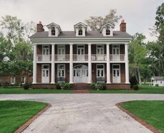 Colonial Homes - Characterized by Symmetrical Windows, Paired Chimneys, One to Three Stories & Centered Front Door