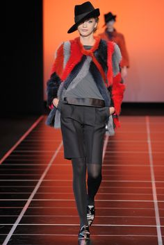 Giorgio Armani Fall 2012 Ready-to-Wear Fashion Show - Vlada Roslyakova