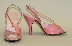 Metropolitan Museum of Art - 1955 Vintage Shoes Women, Vintage Boots, Vintage Outfits, Vintage Heels, Pink Sandals, Pink Heels, Fifties Fashion, Vintage Fashion, Leather Sandals