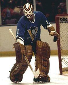 Hockey Goalie, Hockey Games, Hockey Players, Bernie Parent, Native Canadian, Goalie Mask, Wayne Gretzky, Pittsburgh Penguins Hockey, O Canada