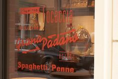 #type #window #signage #italy #italian #food #deli #typography #handpainted  #painted  #paint #identity