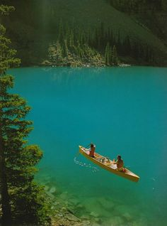 Canadian Rockies, Canadian Rocky Mountain Parks World Heritage Site, Canada Canoe Trip, Canoe And Kayak, Canoa Kayak, Canadian Rockies, Canadian Canoe, Cruise Travel, Belleza Natural, Belle Photo, The Great Outdoors