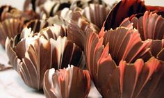 Chocolate Flower Dessert Cups How-To, Make Gorgeous Chocolate Dessert Cups Chocolate Flowers, Chocolate Cups, Chocolate Desserts, Chocolate Bowls With Balloons, Chocolate Garnishes, How To Temper Chocolate, Modeling Chocolate, Dessert Cups, Dessert Recipes