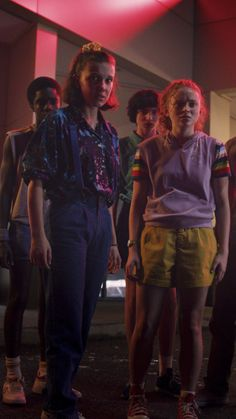 Pin by ashley johnson on stranger things in 2019 винтаж. Stranger Things Saison 1, Stranger Things Tumblr, Watch Stranger Things, Bobby Brown Stranger Things, Stranger Things Steve, Stranger Things Aesthetic, Stranger Things Netflix, Ashley Johnson, Gq