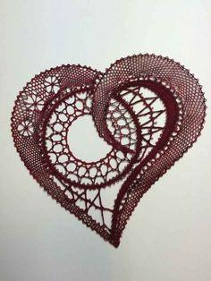Bobbin Lace Patterns, Crochet Flower Patterns, Crochet Flowers, Bobbin Lacemaking, Lace Heart, Point Lace, Lace Jewelry, Freeform Crochet, Needle Lace