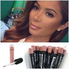 Lips: Liner NYX in nutmeg.  Lipstick ben nye in first blush.  Gloss Bare Esscentials in Wild Honey - @marianna_hewitt-  Marianna Hewitt