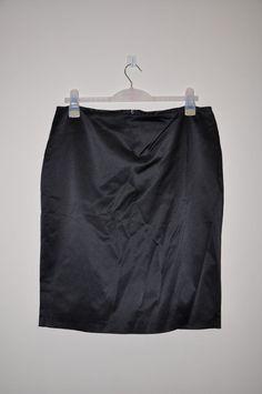 *S3* Wallis  Black LADIES PENCIL SKIRT silky SIZE 18 - Slit Back -  Side Zip