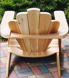 a quality pattern/plans to build beautiful Adirondack chairs. Just look at the attention to details!