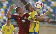 EURO U19 ONLINE: Česko - Švédsko 2:0. Turyna pálí ostrými, Šašinka trefil břevno