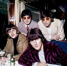 OMG John and Paul with their matching glasses!!!!! MCLENNON 4 EVAH!!!!!!