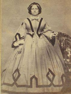 CDV Civil War era Woman Great Dress with Graphic Design Springfield MA