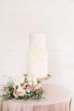 Beautiful Wedding Cakes & Sweets from Tamara of Bake my Day Calgary, Ab. Beautiful Wedding Cakes, Beautiful Cakes, Wedding Trends, Wedding Styles, Huge Cake, Sarah Photography, Pastry School, Create A Cake, Dream Cake
