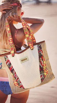 perfect beach bag http://rstyle.me/n/kjs8dr9te