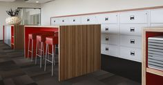 Plexwood Rutges Netherlands office workspace, seats, high tables, meeting room in meranti wood // Gispen