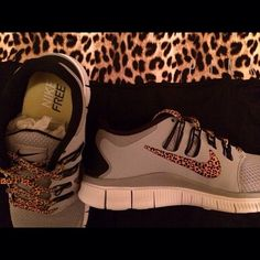 I have all of the other leopard print Nikes... I must have these too!!