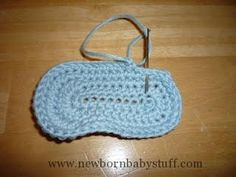Crochet Baby Booties Baby Crochet and Photo Props : HappyBabyCrochet
