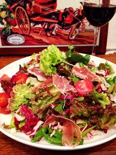 Bistro cosicosi❤︎ Today's Dinner❤︎ date❤︎2015.2  ⋈ゆで豚と生ハムのサラダ  ~自家製 胡麻ドレッシング~  ⋈ガーリックトースト  ~エルブドプロバンス♡~