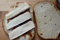 Výsledek obrázku pro bread cheese and honey Cheese Plates, Honey, Bread, Food, Cheese Display, Brot, Eten, Breads, Meals