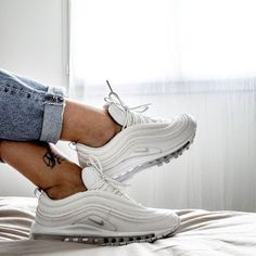 "Nike Air Max 97 ""Pure Platinum"" / really good all white sneaker for women! Air Max Sneakers, All White Sneakers, Sneakers Mode, Sneakers Fashion, Nike Air Max, Nike Air Shoes, Nike Shoes Outlet, Shoes Sport, Sneaker Outfits"