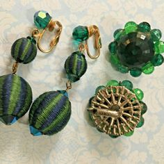 "CORO Green Faceted Lucite Earrings + 2"" Fabulous Dangle Earrings Blue Green AB #CoroUnbranded #DropDangleClusterClips 90s Jewelry, Vintage Jewelry, Jewelry Accessories, Dangle Earrings, Crochet Earrings, Green Fashion, My Ebay, Nashville, Blue Green"