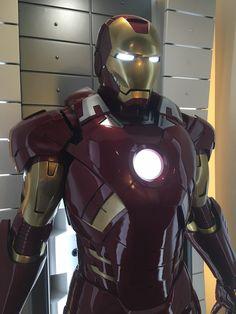 Marvel Characters, Marvel Heroes, Marvel Dc, Iron Man Wallpaper, Marvel Wallpaper, Batman Universe, Marvel Cinematic Universe, Iron Man Hulkbuster, Iron Man Art