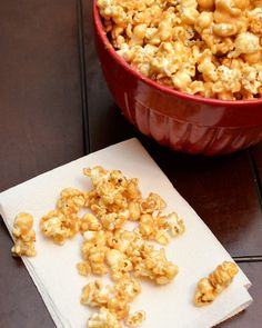 This peanut butter caramel popcorn is the perfect dessert or snack and is so easy to make - its made in the microwave! #lmldfood