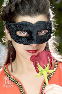 MarasquinDecor: Masca Venetiana si Corset