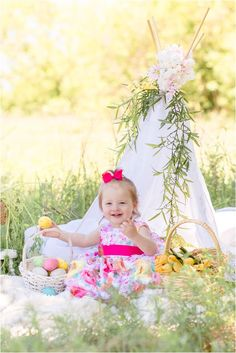 Teepee Photography, Photography Mini Sessions, Holiday Photography, Spring Photography, Photography Ideas, Photo Sessions, Easter Bunny Photoshoot, Picture Backdrops, Spring Pictures