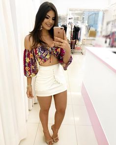 Beautiful off-shoulder top with short pants Stylish Summer Outfits, Classy Outfits, Casual Outfits, Cute Outfits, Fashion Outfits, Womens Fashion, Casual Summer, Short Outfits, Short Dresses